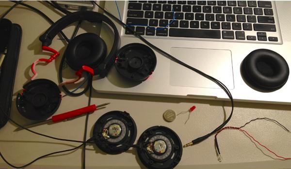 cara memperbaiki headphone yang tidak berfungsi