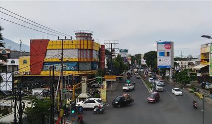 Toko elektronik di Malang